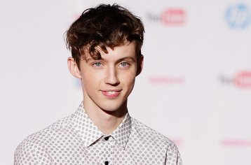 troye-sivan-youtube-fan-fest-2015-billboard-650